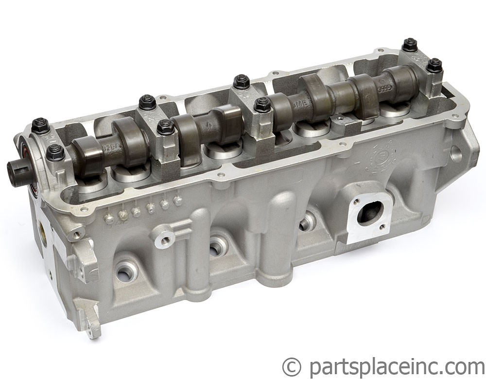 1.8L Carbureted Cylinder Head